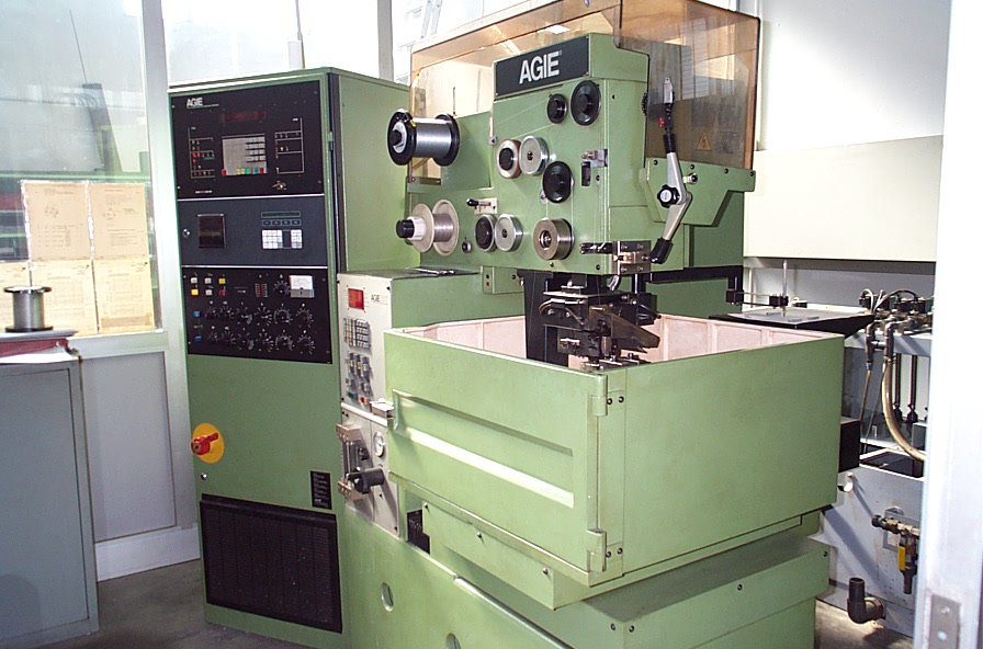 used-agie-wirecut-ac50-wire-cutting-edm-machine-p30214070_2